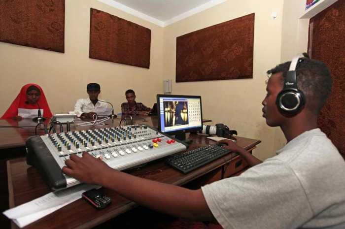 فرص ممولة للصحفيين العاملين في افريقيا